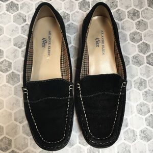 ANNE KLEIN black loafers size 8
